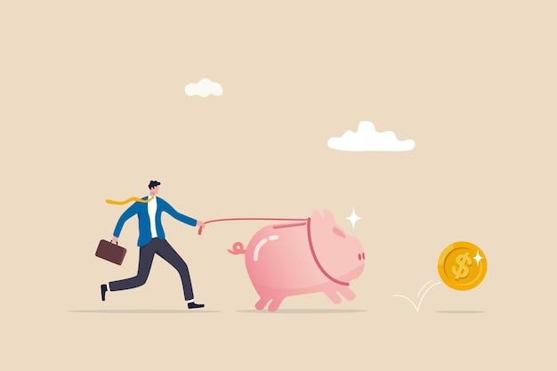 Meilleur investissement, argent travaillant pour vous ou rendement des fonds communs de placement, épargne ou gestion de patrimoine, recherche d'un concept de rendement, investisseur homme d'affaires marchant dans une tirelire d'épargne à la recherche d'un retour d'argent en dollars.