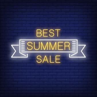 Meilleure vente d'été défiler dans le style néon. mot d'été à l'intérieur du ruban blanc