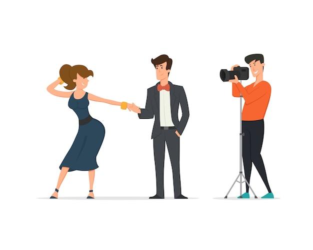Les meilleurs amis prennent une photo de groupe. un jeune homme prend des photos de ses amis sur l'appareil photo.