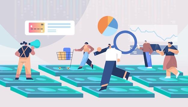 Mélanger les gens de race debout sur les billets d'argent shopping stratégie commerciale marketing numérique et concept analytique illustration vectorielle pleine longueur horizontale