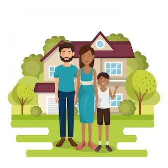 Membres de la famille à l'extérieur de la maison