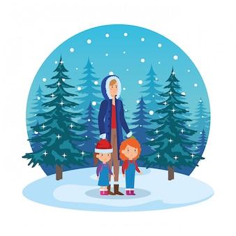 Mère et enfants avec des vêtements de noël dans le paysage de neige