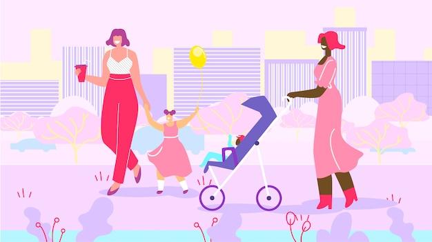 Mères heureuses avec des enfants en promenade dans un parc urbain