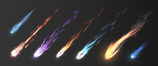 Météores et boules de feu avec traînées de feu