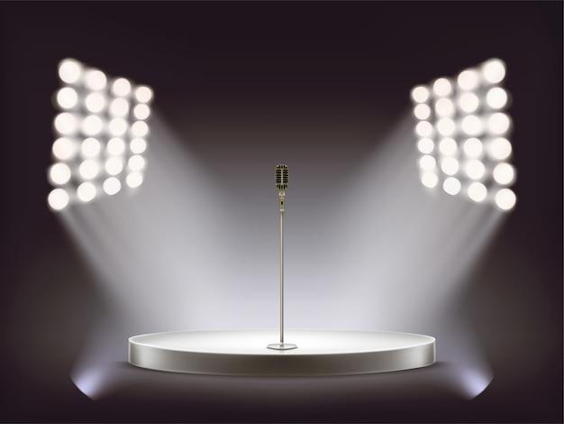 Microphone réaliste de vecteur sur scène ronde vide