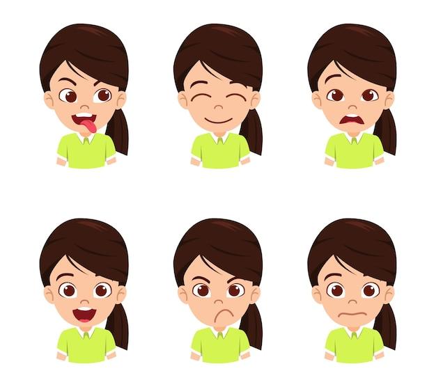 Mignon beau personnage de fille enfant montrant des émotions et différentes expressions faciales isolées avec un beau t-shirt