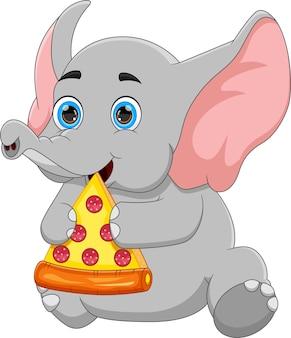 Mignon bébé éléphant mangeant de la pizza