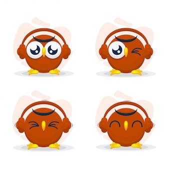 Mignon chouette avec casque mascot cartoon vector