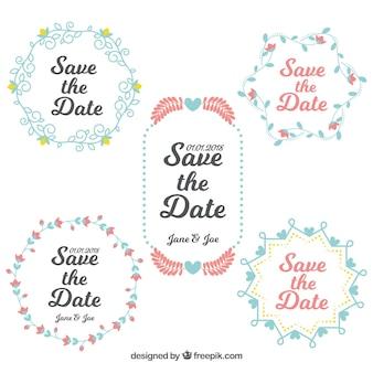 Mignon ensemble d'étiquettes de mariage avec cadre floral