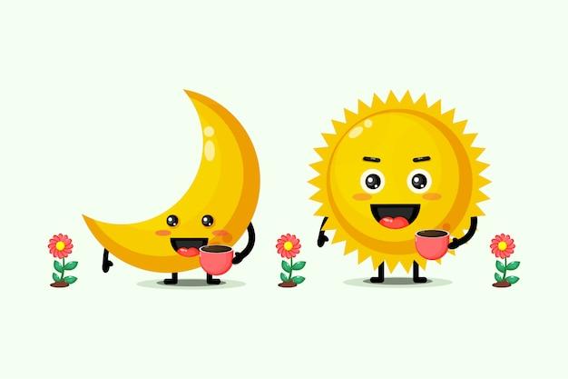 Mignon lune et soleil tenant des tasses à café