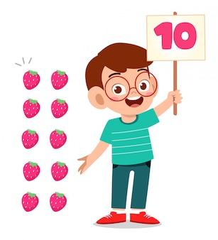 Mignon, Petit Enfant, Garçon, étude, Math, Nombre, Compte, Fruit Vecteur Premium