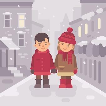 Mignon petit garçon et fille marchant ensemble