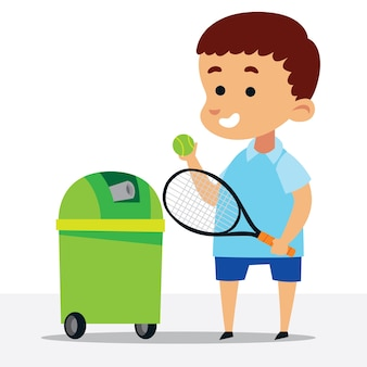Mignon petit garçon jouant au tennis