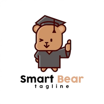 Mignon petit ours portant le graduation modifie le logo de cartoon
