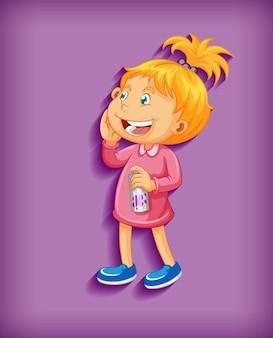 Mignonne petite fille souriante en personnage de dessin animé de position debout isolé sur violet