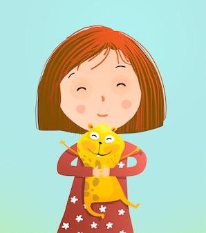 Mignonne petite fille tenant un hamster