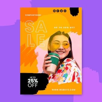 Modèle d'affiche de vente verticale peinte à la main avec photo