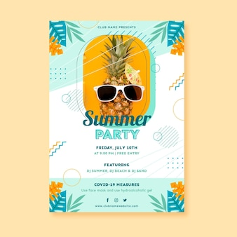 Modèle D'affiche Verticale De Fête D'été Plat Avec Photo Vecteur gratuit