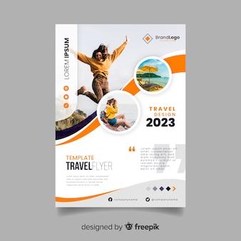 Modèle d'affiche de voyage avec image