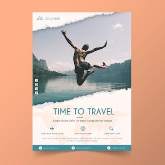 Modèle D'affiche De Voyage Avec Photo Vecteur Premium