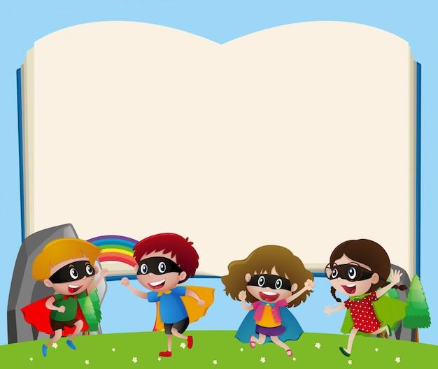 Modèle de bordure avec les enfants jouant au héros