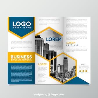 Modèle de brochure d'affaires à trois volets