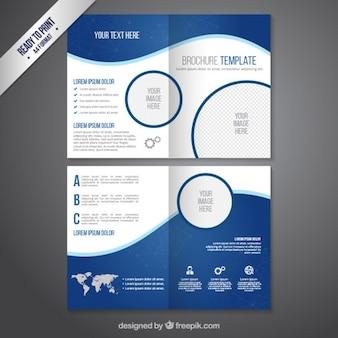 Modèle de brochure dans les tons bleus