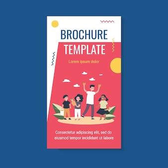 Modèle de brochure enfants heureux avec fruits