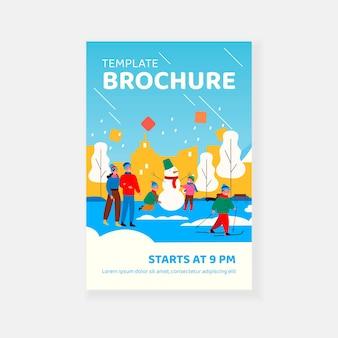 Modèle de brochure de personnes passant du temps libre dans le parc