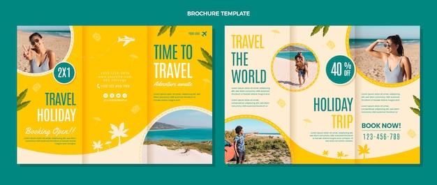 Modèle de brochure temps plat pour voyager