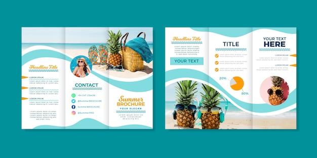 Modèle de brochure à trois volets abstrait avec photo