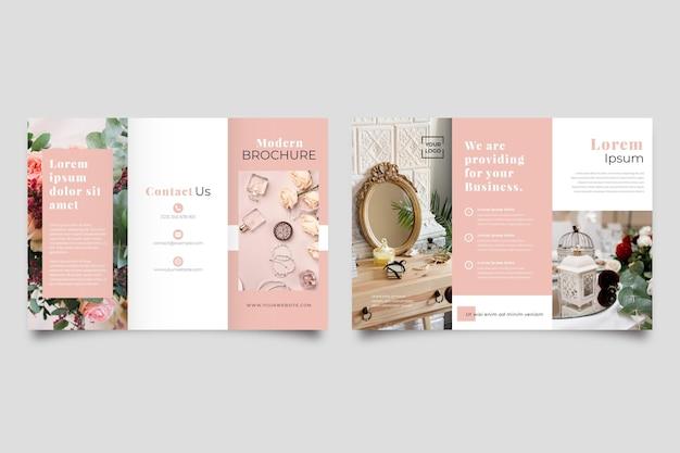Modèle de brochure à trois volets minimal avec photo