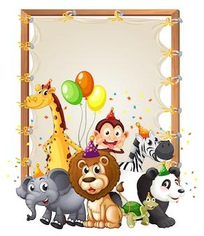 Modèle de cadre en bois de toile avec des animaux sauvages dans le thème de la fête isolé