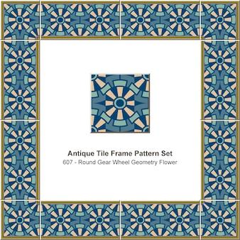 Modèle de cadre de tuile antique mis fleur de géométrie de roue dentée ronde, décoration en céramique.