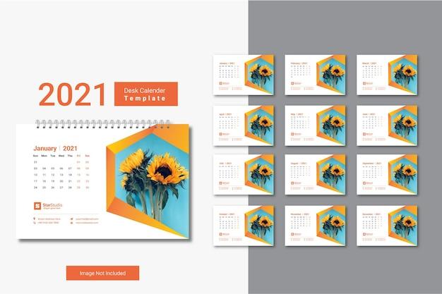 Modèle de calendrier de bureau 2021 avec un design créatif