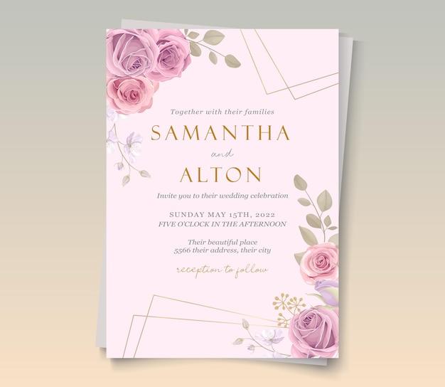 Modèle de carte de mariage avec de beaux ornements floraux en fleurs