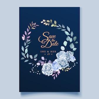 Modèle de carte de mariage avec une belle couronne florale bleue