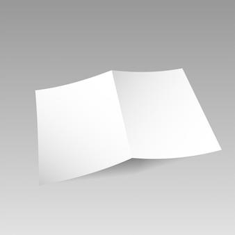 Modèle de carte ouverte blanche simple isolé sur fond transparent.