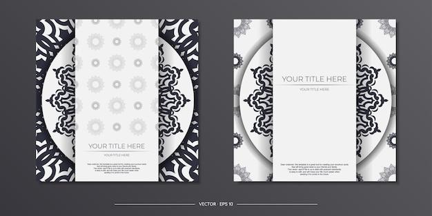 Modèle de carte postale de couleur claire vintage avec ornement abstrait. conception d'invitation prête à imprimer avec des motifs de mandala.
