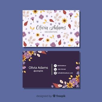 Modèle de carte de visite avec concept floral