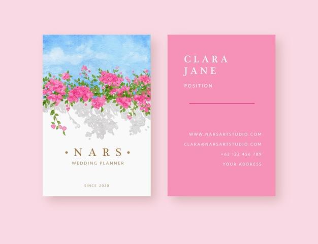 Modèle de carte de visite de fond d'arbre de bougainvilliers roses dessinés à la main