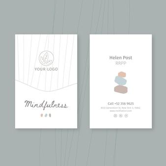 Modèle de carte de visite verticale de méditation et de pleine conscience
