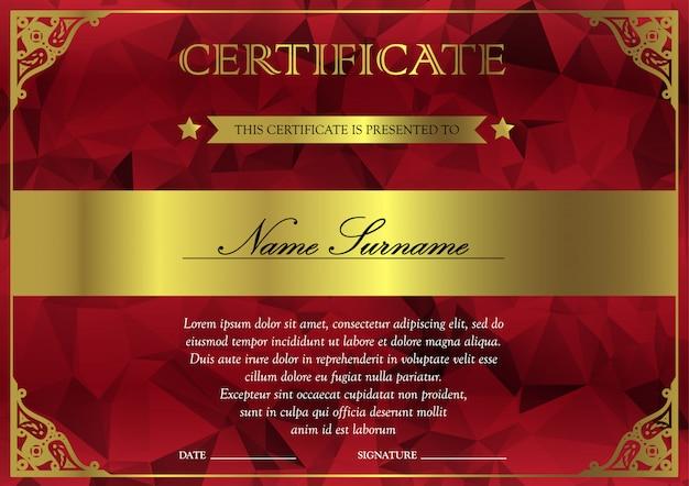 Modèle de certificat et diplôme horizontal rouge et or avec vintage, floral, en filigrane pour le gagnant de la réussite. blank du coupon de récompense