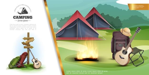 Modèle coloré de camping d'été réaliste avec des sacs à dos de panneau de signalisation guitare panama chapeau chaise portable feu de joie et tentes sur illustration de paysage forestier