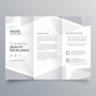 Modèle de conception de brochure d'affaires trifold blanc minime