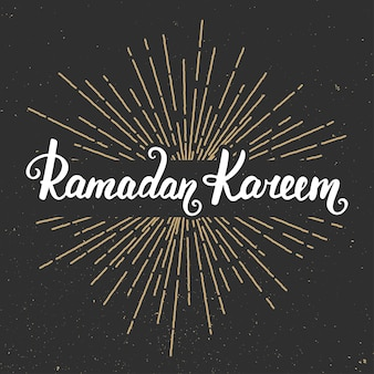 Modèle de conception de carte de voeux ramadan kareem avec calligraphie moderne et sunburst dans un style vintage. lettrage manuscrit. éléments de conception dessinés à la main. mois sacré musulman.