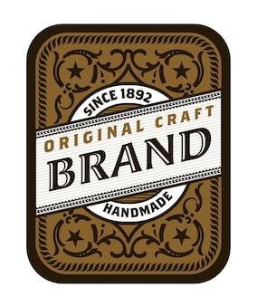 Modèle de conception d'étiquette de bière vintage avec du houblon.