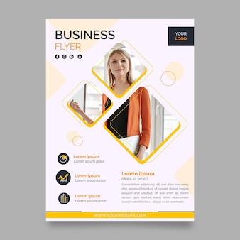 Modèle de conception de flyer coloré d'entreprise