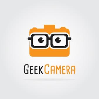 Modèle de conception de logo caméra geek. conception de modèle de logo studio entreprise. illustration vectorielle photographer logo, photographie professionnelle logo de la caméra.