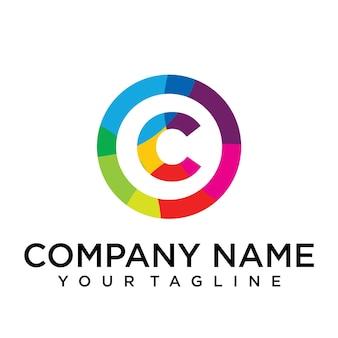 Modèle de conception de logo lettre g. signe créatif doublé coloré